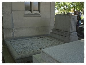 Gertrude Stein & Alice B. Toklas' s grave in Pere Lachaise. Note: no roses.