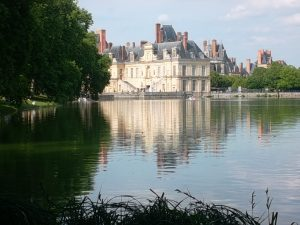 Fontainebleau Chateau's lake (cc Marilyn Z. Tomlins)