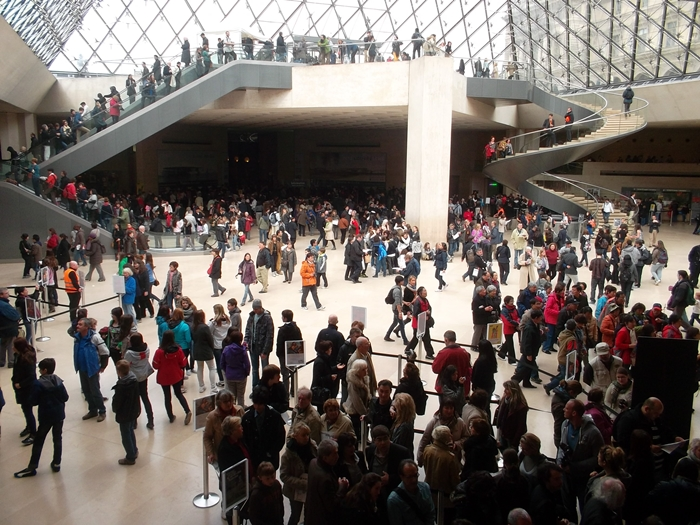 Louvre under the pyramid on a 'quiet' day.(Copyright Marilyn Z.Tomlins
