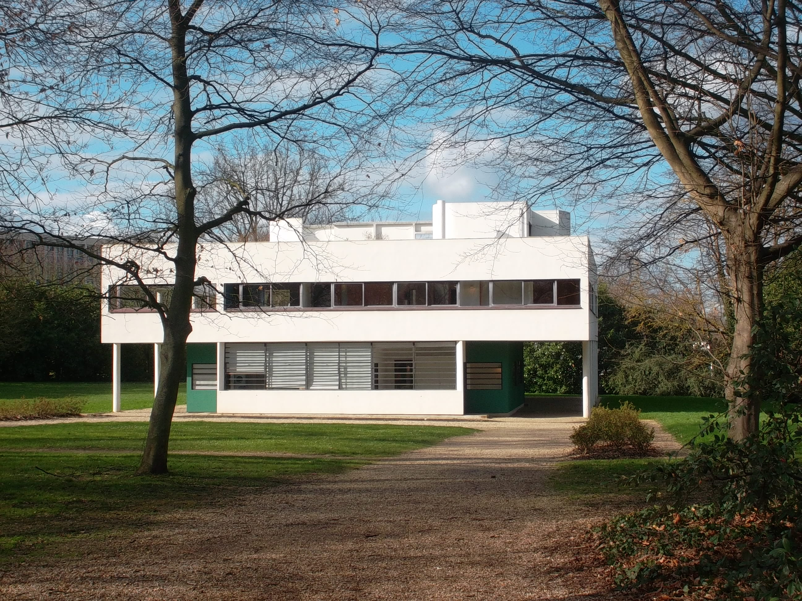 Villa savoye in poissy for Poissy le corbusier