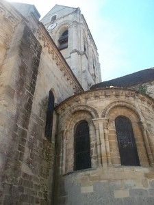 Auvers-sur-Oise church (cc Marilyn Z. Tomlins)