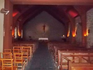Inside the Church: simple but beautiful (cc Marilyn Z. Tomlins)